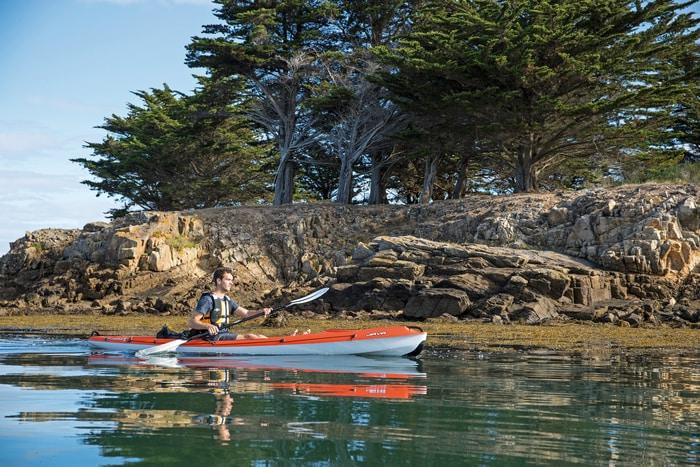 man kayaking, кајакарење